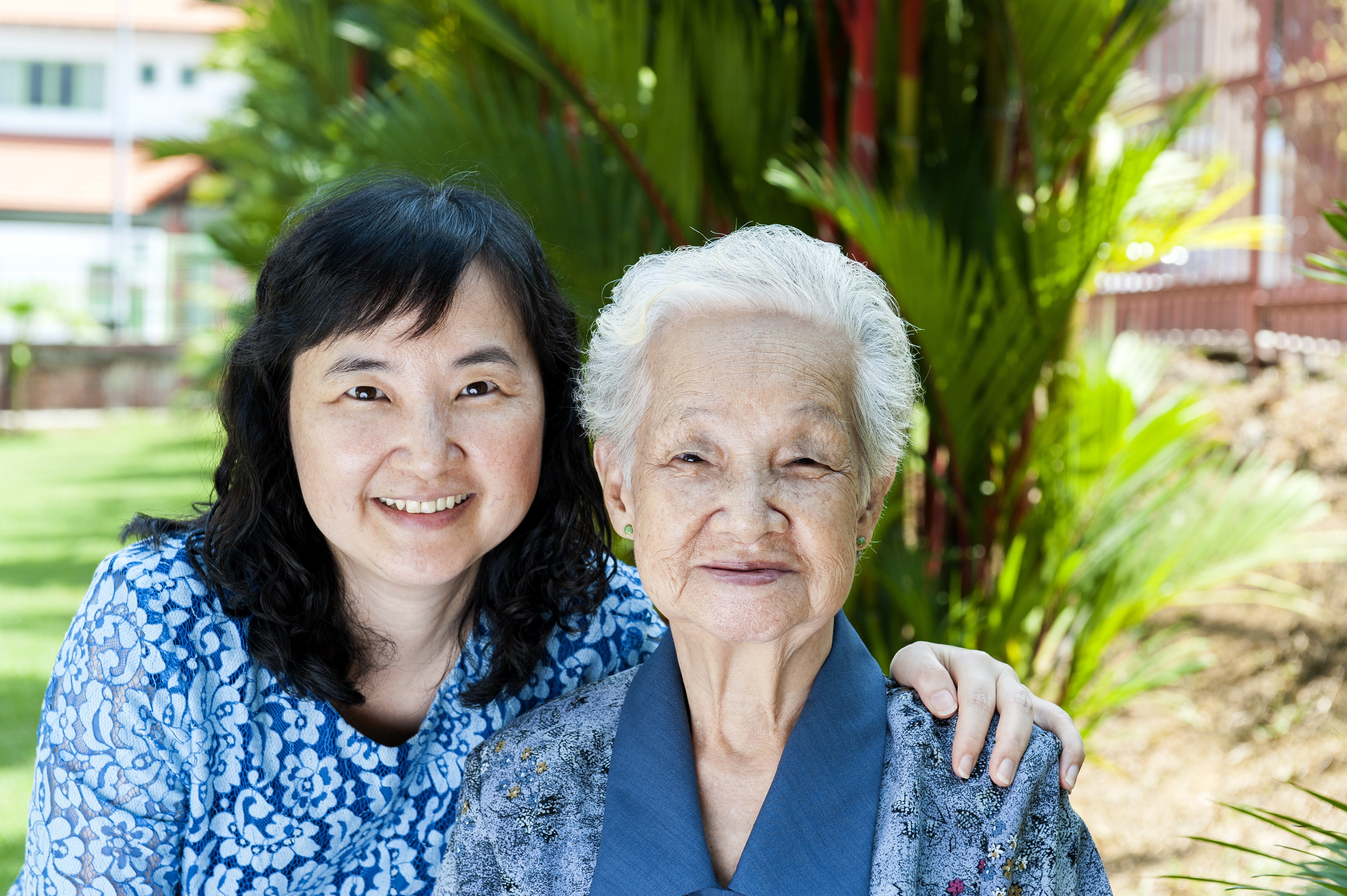 Lee Ngoh and Mom 2